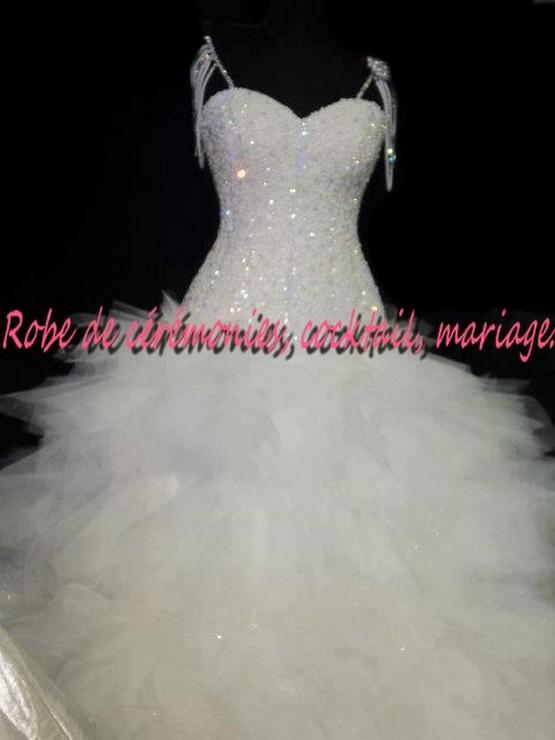 Robe de mariée NV blanche bustier ornée de diamant avec bretelle VENDU avec jupon adapté. , Boutique robe,de,ceremonies.wifeo.com