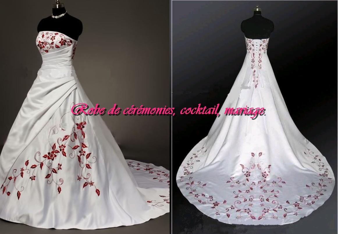 Robe de mariee avec du bordeaux